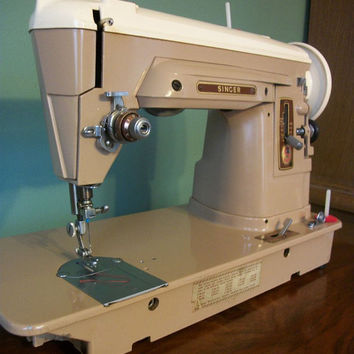 Singer 404 straight stitch sewing machine - Lightweight for Quilter - Vintage 1959