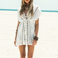 2017 New Beach cover up White Lace Swimsuit cover up Summer Crochet Beachwear Bathing suit cover ups Beach Tunic