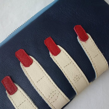 blue leather pouch, leather pouch, upcycled, leather pencil case,leather make up bag,leather purse,applique,leather art,leather zipper pouch
