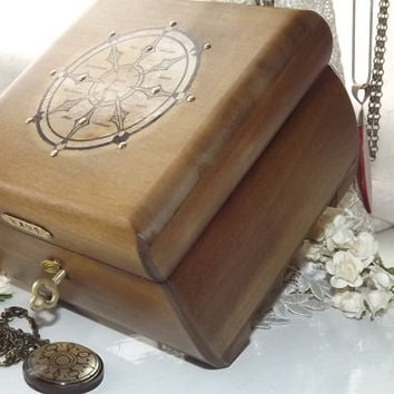 Wheel Of Dharma and Pendant. Gift Set. LOCKABLE Wood Lock Box. Spiritual Box. Free Pendant. PERSONALISED Plaque. Wood Affirmation lock box