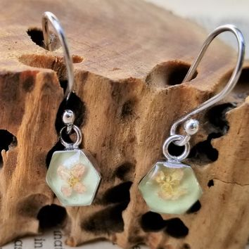 Pressed flowers hexagon signed SU Mexico vintage sterling silver drop earrings