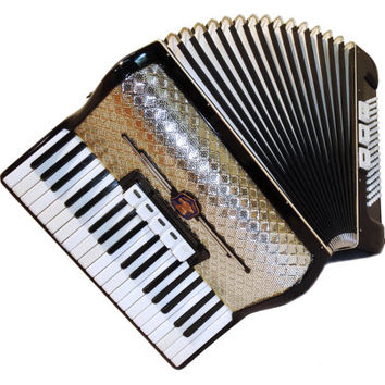 Excellent German Piano Accordion Weltmeister 96 Bass 5 + 3 Switches, Musical Instrument, 345