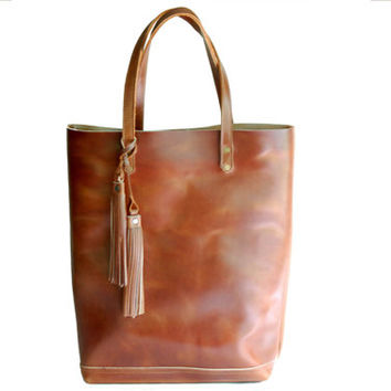 The Panama Tote /Tall/ in Deep Tan