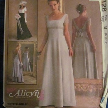 Uncut McCall's Sewing Pattern, 9126! Size 8-10-12, Small/Medium, women's/misses, Formal/Prom/Evening Gown/Dress, Bridesmaid/Wedding