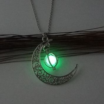 Glow In The Dark Necklace Magic Moon Heart Pendant Necklace
