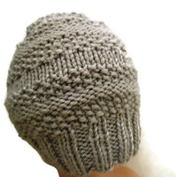 SALE! Hand Knit women Beanie, beige hat, winter  hat, athletic hat, Wool hat , Seamless hat beanie, cool  hat in beige