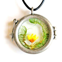 Terrarium Necklace Yellow Flower and Moss Nature Jewelry Antique Silver Plated Round Glass Locket  Spring Jewelry Statement Necklace