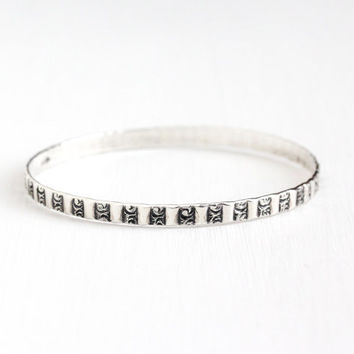 Vintage Sterling Silver Repousse Design Bangle Bracelet - Retro 1950s Signed Jewel Art Co 8 Inch Raised Eternity Stacking Jewelry