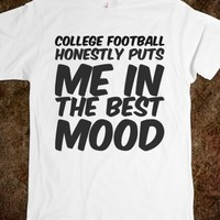 COLLEGE FOOTBALL HONESTLY PUTS ME IN THE BEST MOOD
