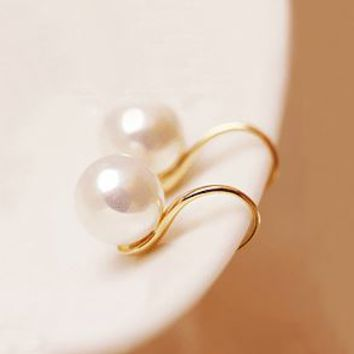 Curvy Pearl Beauty Earrings - LilyFair Jewelry