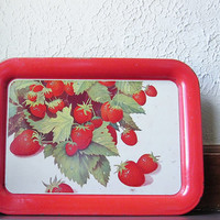 Strawberry Serving Tray - Metal Dining Tray - Lap Tray - TV Tray - Vintage Strawberries Lithography - Farmhouse Decor - Country Chic Decor