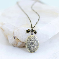 Vintage Photo Locket Necklace, Jewelry Gift, Vintage Folral Necklace, ABA2Life