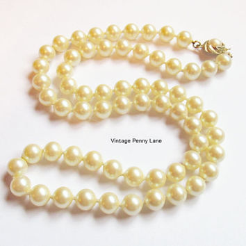 Vintage Bead Necklace, Ivory Glass Pearls, Costume Jewelry