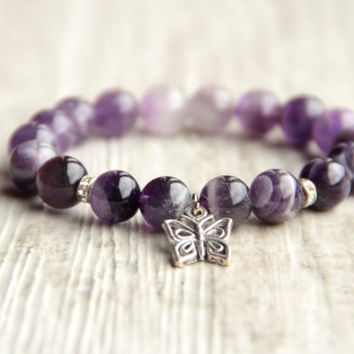 Womens butterfly bracelet Amethyst bead Gemstone jewelry Gift for mom Purple bracelet Violet bracelet Simple bracelet Everyday jewelry