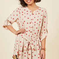 Day for Night Tunic in Beige Blooms | Mod Retro Vintage Short Sleeve Shirts | ModCloth.com