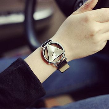 Woman Mens Retro Design Leather Band Analog Alloy Quartz Wrist Watch 2016 New Arrival Ladies Casual Bracelet Watch