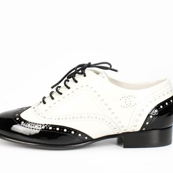 ca spbest Chanel Black and White Patent Leather Wingtip Oxfords 36.5
