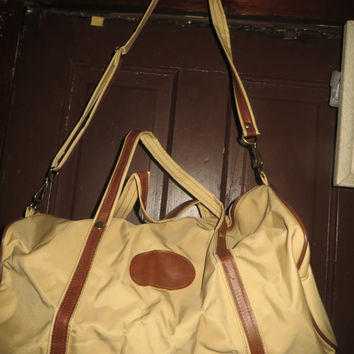 vintage   70s Mr. Roberts Designer Luggage  2 tone brown  CARRY ON Bag .  duffel   vinyl bag  new condition