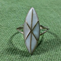 Vintage Native American Silver Ring Size 7.5 Navajo Teme Signed Sterling 925 Southwestern Style Mother Of Pearl Long Diamond Shaped Top
