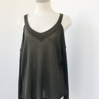 KASSIA CUT OUT TOP- OLIVE