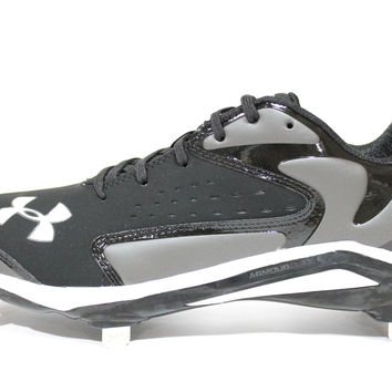 Under Armour Men's Yard Low ST Black/Charcoal Gray Baseball Metal Cleats