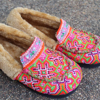 Pink Womens Slippers Moccasin Style In Ethnic Hmong Embroidery With Plush Lining Gift
