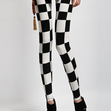 Black and White Geometrical Pattern Leggings