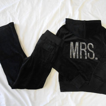 Velour MRS Sweatsuit. MRS Velour Sweatsuit. Bride Pants and MRS Zip Up Hoodie. Bride. Bridal Hoodie. Sexy Bride. Mrs. Bride Sweatsuit.