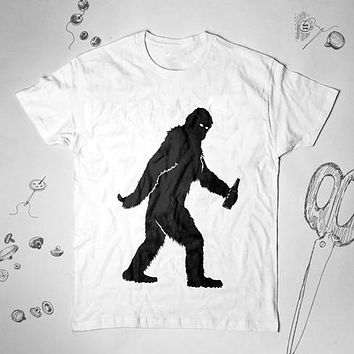 9a130e440 Funny Bigfoot with Beer tee shirt I Want to Believe in Sasquatch Cool  Bigfoot Tunic Shirt