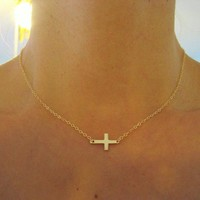 Small Sideways Cross Necklace, Gold.. on Luulla