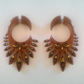 Thorn wings, fake gauge earrings, wooden earrings, saba wood earring, wooden fake piercing, earring with painting, handmade earrings jewelry