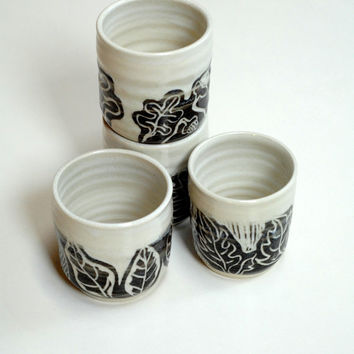 espresso cups,Yunomi, 4 cups no handles,wine glasses, four ceramic cups, pottery tumblers, juice cups, stoneware cups, black and white cup