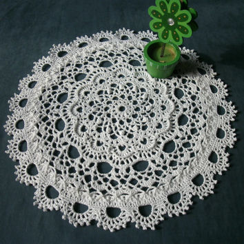 White crochet centrepiece 10 inches Crochet lace doily Textured relief doily Mothers day gift idea Crochet home decor White home decor