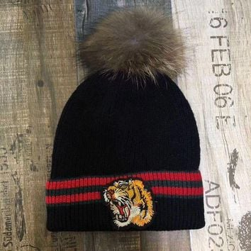 Autumn Winter Fashion All-match Multicolor Stripe Tiger Head Embroidery Hairball Knit Hat Fashion Casual Women Warm Hat