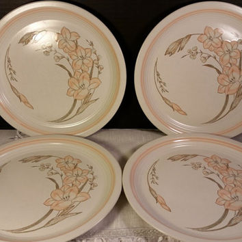 """Michelle by Baker, Hart & Stuart Peach Flowers Peach Band Set of 4 Dinner Plates 10.5""""D 1980s Japanese Stoneware Dinner Plates Oven to Table"""