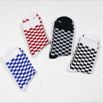 WJFXSOX 1 pairs unisex socks Street checkered socks Hip hop trends Man & Women Skateboard cotton