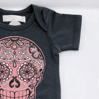Baby Girl Pink Skull Trendy Bodysuit. Day of the Dead Sugar skull Toddler girl 3, 6, 12 months Punk baby clothes shower gift bones nelson