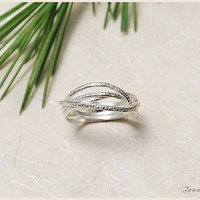 unique sterling silver ring. silver band ring. delicate hammered ring. FREE SHIPPING