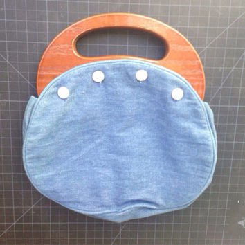 Vintage Bermuda Bag, 70s Purse, 4 Button Handbag, Blue Denim Clutch wood handle main frame, detachable cover, outer pocket, pearled buttons