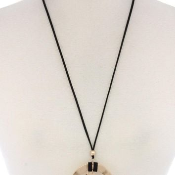 Hammered Circle Heart Shape Pendant Suede Necklace