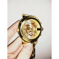 GUCCI Classic Women Men Fashion Quartz Watches Wrist Watch Golden