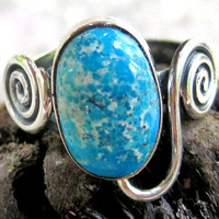 Fun handmade Silver Ring with blue Turquoise - Modern Silver Turquoise Ring - Blue Turquoise Sprial Ring