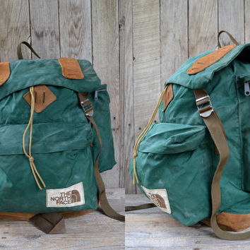 Vintage Forest Green THE NORTH FACE Leather Bottom Mountaineer Daypack Backpack