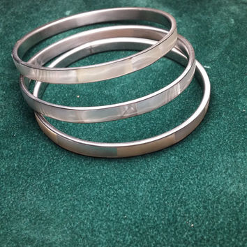 Three Mother of Pearl Shell Silver Tone Bangle Bracelets