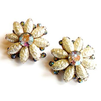 Vintage Baroque Pearl Flower Earrings - Clip On - Aurora Borealis Rhinestone - Faux Pearl - Molded Glass - Floral Design - Bridal Wedding