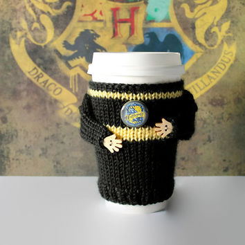 Hufflepuff coffee cozy. Harry Potter travel mug cozy. Witchcraft Wizardry school alumni. HP coffee warmer. Hufflepuff sweater. Teen gift