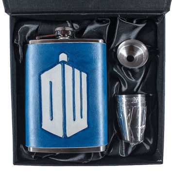 Doctor Who Geek Flask Set