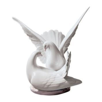 "Lladró ""Love Nest"" Porcelain Figurine"