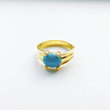 Vintage Turquoise Colored Oval Cabochon Stone Ring set in Sterling Silver with Vermeil Finish - Approximate Size 9 1/2