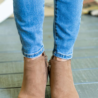 Beauty And The Chic Booties, Camel